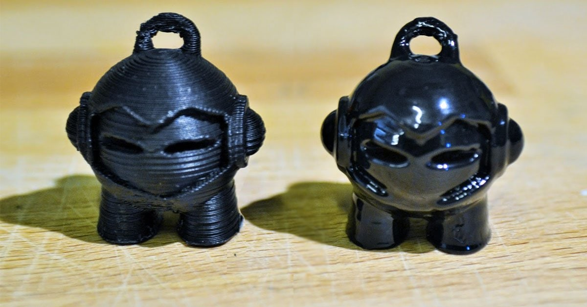 3DHubs Mascot Marvin before and after smoothening with acetone fumes