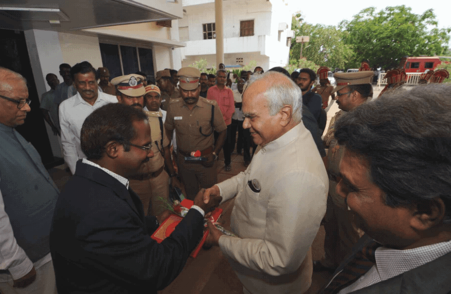 TN Governor Banwarilal Purohit received at the Sastra University